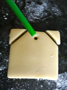 Tea Bag Cookie shape from a square or rectangular cookie cutter Baby Shower Tea, Tea Party Bridal Shower, Tea Bag Cookies, Christmas Tea Party, Cheap Christmas, Party Sandwiches, Afternoon Tea Parties, Tea Party Birthday, Tea Recipes