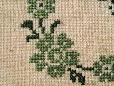 luli cross stitch motifs
