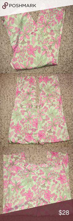 Lilly Pulitzer Pencil Pants.Like New, hit at ankle Lilly Pulitzer Pencil Pants.Like New, hit at ankle Lilly Pulitzer Pants Ankle & Cropped