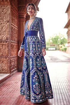 This exclusive gown is an ultimate party wear collection with the mesmerizing colour blue with the thread work be at your fashionable best taffeta silk semi stitched gowns fashionable work outfit ideas for fall winter 2020 Indian Fashion Dresses, Dress Indian Style, Indian Designer Outfits, Designer Dresses, Fashion Outfits, Fashion Women, Fashion Belts, Cheap Fashion, Party Fashion