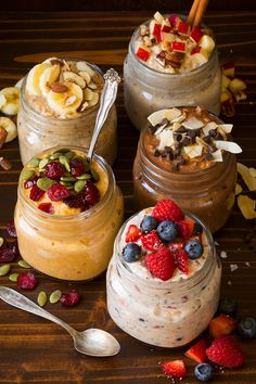 Want a delicious, healthy breakfast without all the fuss? Overnight oats are the answer to your problems! And with 15 easy overnight oats recipes, you'll never be bored with breakfast again. Nutritious Breakfast, Breakfast Recipes, Breakfast Menu, Breakfast Cooking, Breakfast Ideas, Yogurt Breakfast, Recipes Dinner, Healthy Meal Prep, Healthy Snacks