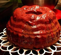 The Dracula Bundt Cake or Gugelhupf for Halloween is a great cake for the Halloween parties. The red red currant glaze make sit look bloody! Halloween Appetizers, Halloween Cakes, Halloween Recipe, Halloween Party, Best German Food, The Good German, German Oktoberfest, Oktoberfest Food, Dracula