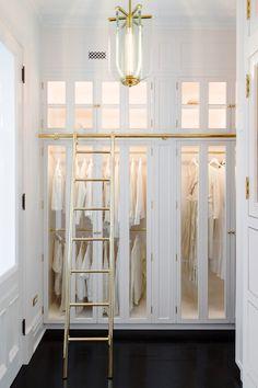 Wardrobe Room, Wardrobe Cabinets, Walk In Wardrobe, Glass Wardrobe, Capsule Wardrobe, Walk In Closet Design, Closet Designs, Master Closet, Closet Bedroom