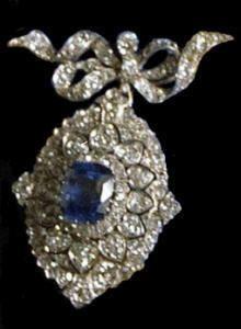Dutch sapphire parure: brooch