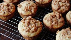 Blogger Jessica Walker from Lil' Miss Bossy shares an easy muffin recipe using Betty Crocker™ muffin mix and everyone's fave, Cinnamon Toast Crunch™ cereal!