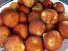 Fried potato balls filled with vegetables and cheese! Bread Dough Recipe, Hungarian Recipes, Fried Potatoes, Food 52, I Foods, Vegas, Food And Drink, Cooking Recipes, Lunch