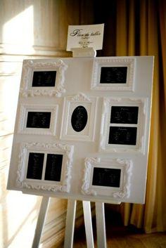 Plan de table baroque laqué blanc avec médaillons et carrés noirs de Chez Sandrine By www.mariagedanslair.fr