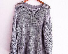 Dieser Pullover ist elegant und lässig zugleich - so es leicht ist zu kombinieren mit fast allem, was hast du in Ihrem Kleiderschrank. Die Tunika-Pullover wird von Hand gestrickt, es ist weich und sehr leicht zu kümmern. Dies ist ein tolles Accessoire für die Sommerzeit. Dieser schöne Pullover ist sehr weich und leicht.  Ideal für Frühjahr / Sommer. verfügbare Größen: XS S ▪ ▪ M L ▪ ▪ XL ▪ andere Größen auf Anfrage.     Vielen Dank für Ihren Besuch und gerne einkaufen