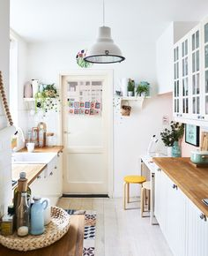 A colourful family home with room for relaxation - IKEA Colorful Furniture, Cheap Furniture, Online Furniture, Kitchen Furniture, Kitchen Installation, Glass Cabinet Doors, Happy House, Modern Dining Table, Minimalist Kitchen