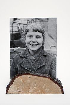 Fotolijstje voor formaat 18×24 cm met twee glasplaatjes, Berkenhout met schors - gelakt 'Authentieke, handgemaakte interieurstukken voor huis en tuin. H.T.I. Hermans Thijs'