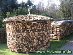 houtmijt van 12 stere Amerikaanse eik Firewood Rack, Firewood Storage, Log Store, Wood Shed, Fireplace Design, Outdoor Storage, Homesteading, Beautiful Homes, Fire Wood