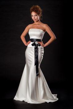 Halász Éva Collection Strapless Dress Formal, Formal Dresses, Collection, Fashion, Dresses For Formal, Moda, Formal Gowns, Fashion Styles, Formal Dress