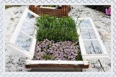 http://kouzlodomova.blogspot.cz/2012/01/mini-sklenik-z-okna.html