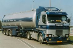 Scania  VF-19-NK  R 113 M 4x2 topline met bulktankoplegger van Van Bentum te Scherpenzeel