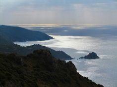 Mar Tirreno e il monte Argentario #Tuscany #maremma #portodellamaremma #rotte #navigando
