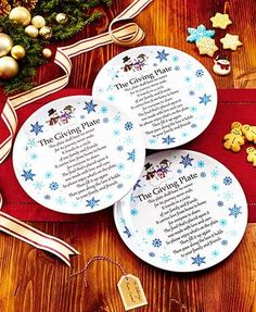 Start a tradition of generosity with this Set of 3 Melamine Giving Plates. The idea is to fill a plate with homemade treats and give it to a family member or friend. Christmas Plates, Christmas Snowman, Christmas Home, Christmas Holidays, Christmas Crafts, Christmas Decorations, Christmas Ideas, Christmas Activities, Country Christmas
