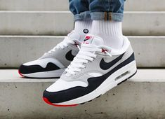 Release Reminder: Nike Air Max 1 OG Anniversary Obsidian - Dr Wong - Emporium of Tings. Sneakers Mode, Classic Sneakers, Best Sneakers, Casual Sneakers, White Sneakers, Casual Shoes, Nike Air Max, Nike Air Shoes, Mens Fashion Shoes