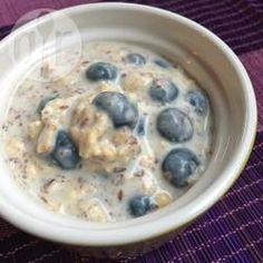 Foto recept: Overnight oats met blauwe bessen