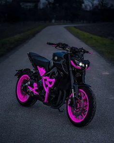 Dirt Bike Racing, Motorcycle Bike, Moto Violet, Fancy Cars, Cool Cars, Cool Dirt Bikes, Motorcross Bike, Bike Pic, Best Luxury Cars