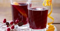 Zutaten für 4 Gläser      1 Bio-Orange     1 Flasche (0,75 l) trockener Rotwein     300 ml Traubensaft     4 Gewürznelken     50 g brauner Zucker     2 Zimtstangen   Zubereitung von Orangen-Trauben-Glühwein Orange waschen, trocken tupfen. Hälfte in Spalten schneiden. Rest auspressen, Schale spiralförmig abschälen. Wein, Traubensaft, Orangenspalten, Saft, Nelken, Zucker und Zimt aufkochen. Ca. 15 Minuten ziehen lassen. Nochmals aufkochen. Glühwein in vier Gläser gießen. Mit Orangenspiralen…