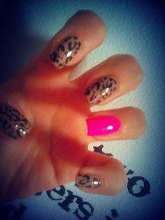 #Leopard #Neon Nails