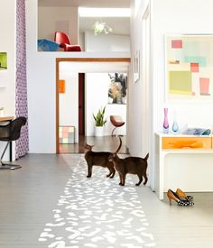 DIY Projects Inspired by the Memphis Design Movement Layout Design, Diy Design, Design Ideas, Painted Wood Floors, Painted Rug, Hardwood Floors, Hand Painted, Modern Country, Diy Painting