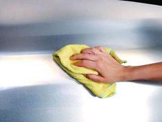 Vi abbiamo già svelato la versatilità dell'acciaio inox nelle soluzioni di arredo più moderne: dai rivestimenti con pannelli per la cucina a quelli per il camino.Ecco che con questo intervento vorremmo spiegarvi in poche semplici mosse, come è possibile mantenere le...