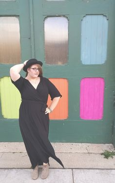 Wear your fave maxi into fall with booties. #maxi #blackdress #hat #booties #fall