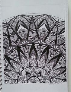 Judy's Zentangle Creations: Half Mandala Feast by ursula Mandala Design, Mandala Art, Mandalas Painting, Mandalas Drawing, Zentangle Drawings, Doodles Zentangles, Mandala Pattern, Zentangle Patterns, Doodle Drawings