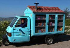 Adorável biblioteca sobre rodas leva livros para crianças na Itália que não tem acesso à leitura