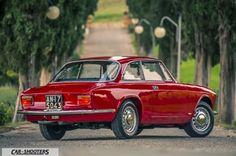 Alfa Romeo Giulia GT Junior tre quarti posteriore