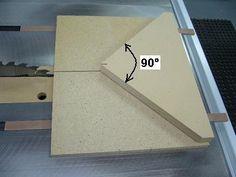 Guide à onglets 45° pour le banc de scie / Tablesaw 45° Miter Sled | Atelier du Bricoleur (menuiserie)…..…… Woodworking Hobbyist's Workshop