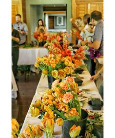 """Guests at Qualia resort are schooled in the art of flower arranging during the resort's """"Weekends of Wonderment"""" event series featuring renowned Syndey-based florist Dr. Lisa Cooper."""