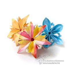 Simple Folded Paper Flowers | pieces, connection: nothing, folded by me
