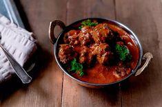 Jauhelihapyörykät tomaatti-kookoskastikkeessa Couscous, Curry, Beef, Cooking, Ethnic Recipes, Koti, Meat, Kitchen, Curries
