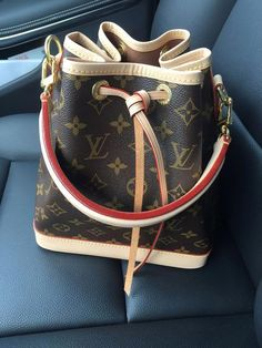 Riding in Cars with Louis Vuitton  Louisvuittonhandbags Noe Louis Vuitton db2b3d6a0b02c