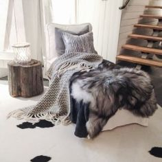 (Inspiration Photo) Colour palate - chalky whites, weathered woods and dove greys Scandi Style, Scandinavian Style, Boho Style, Home Bedroom, Bedroom Decor, Interior Inspiration, Design Inspiration, Interior Ideas, Textiles