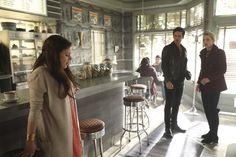 """Killian, Emma and Belle - 6 * 9 """"Changlings"""""""