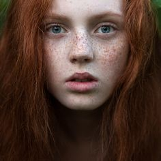 Gorgeous Redheads and other girls Beautiful Freckles, Gorgeous Redhead, Green Hair, Green Eyes, Freckles Girl, Freckle Face, Ginger Girls, Redhead Girl, Ginger Hair