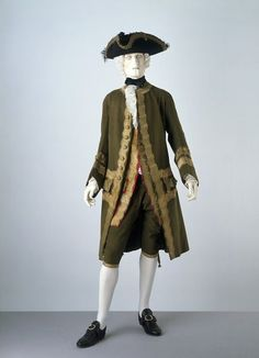 1740-1750, United Kingdom - Man's formal suit - Wool, trimmed with silver gilt braid, lined with silk, linen and buckram, hand-sewn