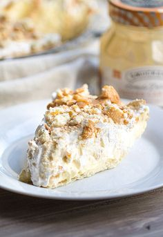 Banana Pudding Pie - this if the best of both worlds. Banana pudding and banana cream pie. Yum.