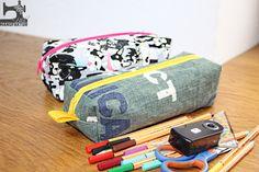 Ein neues Freebook von mir für euch, näht euch auch ein tolles Stiftemäppchen und zeigt mir euer Ergebnis in der Facebook-Gruppe: Gym Bag, Sewing, Facebook, Diy, Bags, Brunch, Pencil Cases, Diy Tutorial, Small Bags