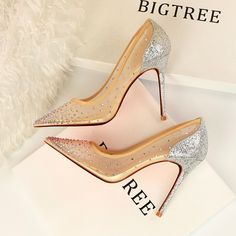 High Heels Stilettos, Stiletto Heels, Silver Outfits, Exercise To Reduce Thighs, Pointed Toe Pumps, Types Of Shoes, Fashion Shoes, Christian Louboutin, Footwear