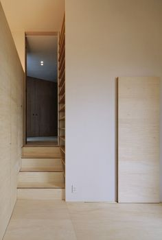 Image 7 of 17 from gallery of Krampon House / Shogo Aratani Architect & Associates. Photograph by Yutaka Kinumaki Plywood Interior, Interior Stairs, Interior And Exterior, Interior Design, Space Architecture, Contemporary Architecture, Architecture Details, Residential Architecture, Timber Staircase