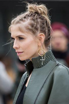 Street look Fashion Week: la tendance chignon
