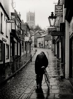 ARgENTUM ~ EVERYMAN ~ la potion infinie #yorkshireman #blackandwhite #bicycle