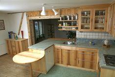#socialdistancing: sich Zeit nehmen ..in Ihrem zentralen Wohlfühlort für Ihre Familie ein geschmackvolles Essen zuzubereiten und zu geniessen... Wir sind erreichbar unter Tel: 044/9326465 und via Mail: info@lohrer.ch #schreinereilohrer #Küchenbauer #massivholzküchen #kücheneinrichtungen #küchen #kochinsel #holzhochkarätig #kitchen #kitchendesign #carpenter #woodworker Kitchen Cabinets, Home Decor, Wood Workshop, New Furniture, Restore, Eten, Decoration Home, Room Decor, Kitchen Base Cabinets