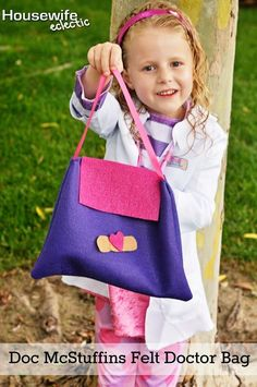 Housewife Eclectic: Doc McStuffins Costume Felt Doctor Bag