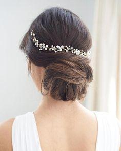 #WeddingHairDown Chic Hairstyles, Trending Hairstyles, Short Bob Hairstyles, Bridal Hair Vine, Bridal Updo, Pearl Bridal, Wedding Hair, Rhinestone Headband, Halo Headband