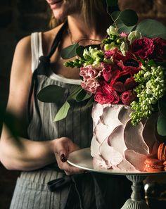 Цветочное оформление. Верхушка торта - один из вариантов добавления цветочных акцентов. Flower cake topper